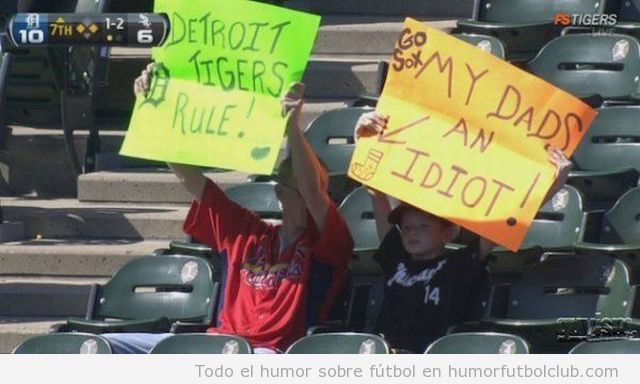 Padre e hijo en las gradas enfrentados como rivales de Detroit Tigers y Sox