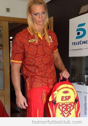 Fotomontaje de Belén Esteban con el chándal de la selección española JJ00 2012