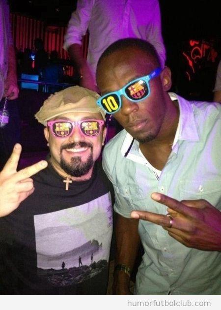 Foto de Usain Bolt en una discoteca con las gafas del Barça