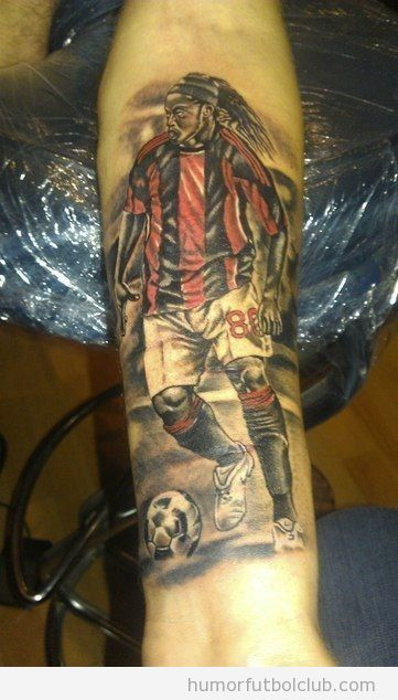 Amas Tanto A Ronaldinho Como Para Hacer Esto Todo El Humor Del PictureRonaldinho Tattoo
