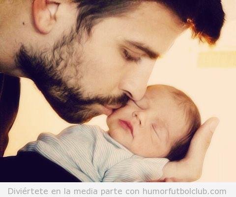 Imagen de Piqué con su hijo Milan