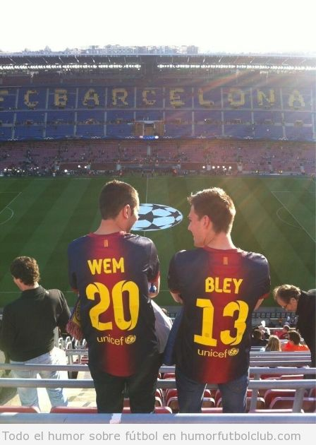 Foto graciosa, fail de aficionados del Barça con Wembley escrito en la camiseta en el Barça - Munich