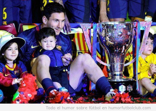 Foto graciosa de Thiago, el hijo de Messi, en la celebración de la Liga