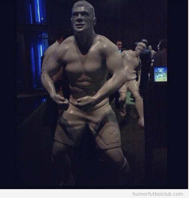 El museo del FC Porto hace una escultura del futbolista Hulk
