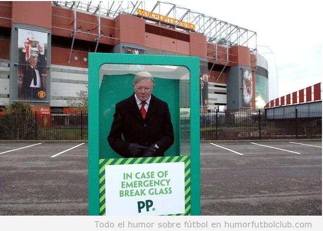 Figura de cera Alex Ferguson en las afueras de Old Trafford