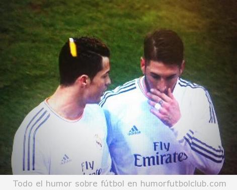 Foto de un mechero que golpea la cabeza de Cristiano Ronaldo