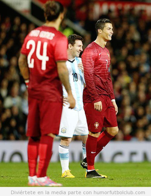 Cristiano Ronaldo y Messi riéndose en el Argentina Portugal