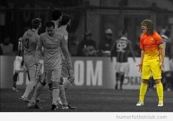 Foto de Puyol gritando a sus compañeros del Barça