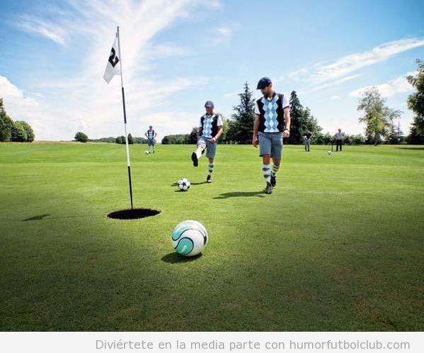 Hombres jugando al footgolf
