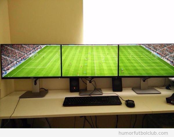 Tres monitores  para jugar videojuego FIFA