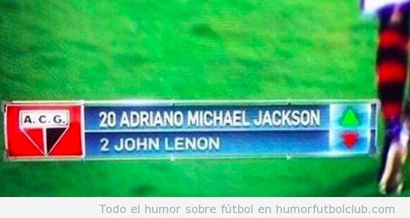 Jugadores fútbol nombress Michael Jackson y John Lenon