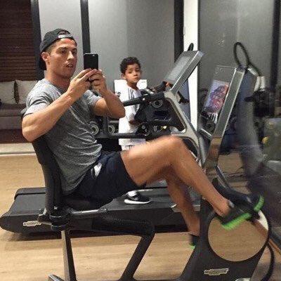 Fotos graciosas de Cristiano Ronaldo con su hijo 2