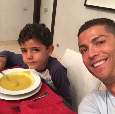 Fotos graciosas de Cristiano Ronaldo con su hijo