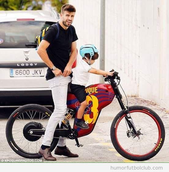 Piqué y su hijo en bicicleta tuneada