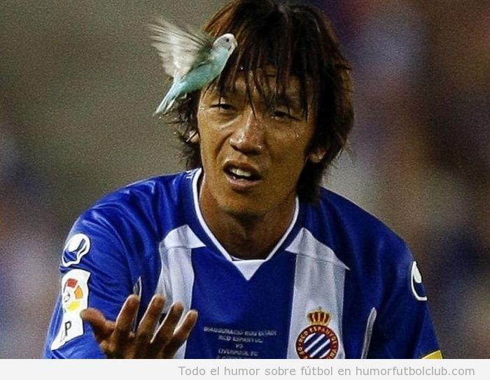 Nakamura, ex jugador del Espanyol, con un periquito volando