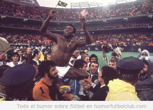 Momentos épicos Pelé sale a hombros