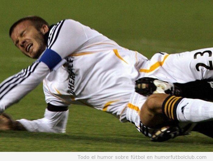 Patada en la entrepierna a Beckham