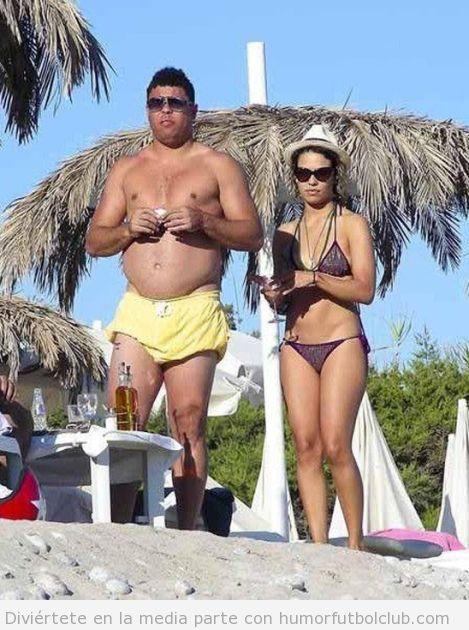 Ronaldo, el futbolista brasileño, en la actualidad está un poco gordo