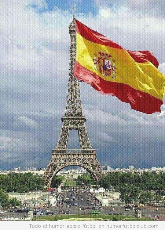 Bandera de España en la Torre Eiffel de Paris, España Francia Eurocopa 2012