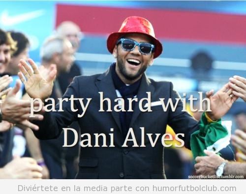 Dani Albes con gorro y gafas de fiesta
