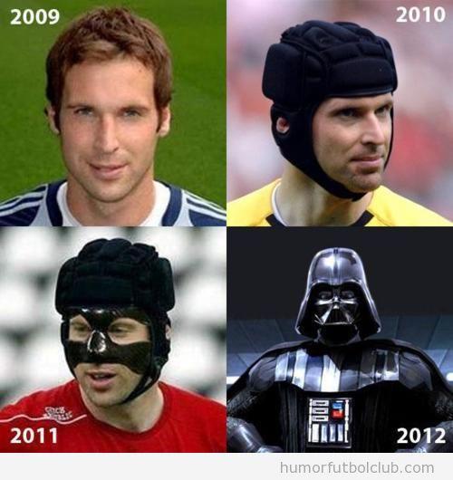 La evolución en la imagen de Petr Čech, portero del Chelsea, con su mascara darth Vader