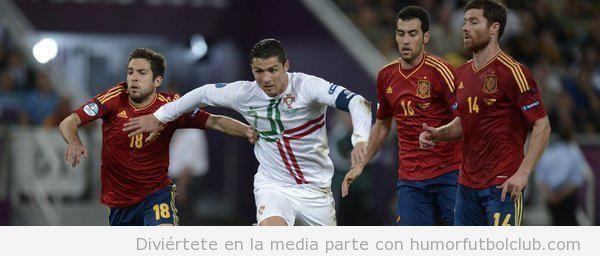 Cristiano Ronaldo corriendo en el partido España - Portugal en Eurocopa 2012