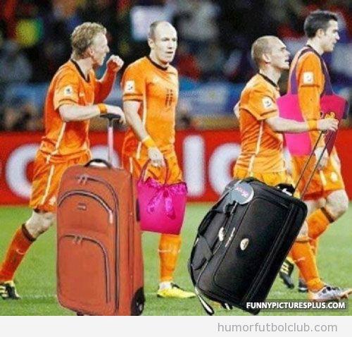 La selección de Holanda hace las maletas y se va de la Eurocopa 2012