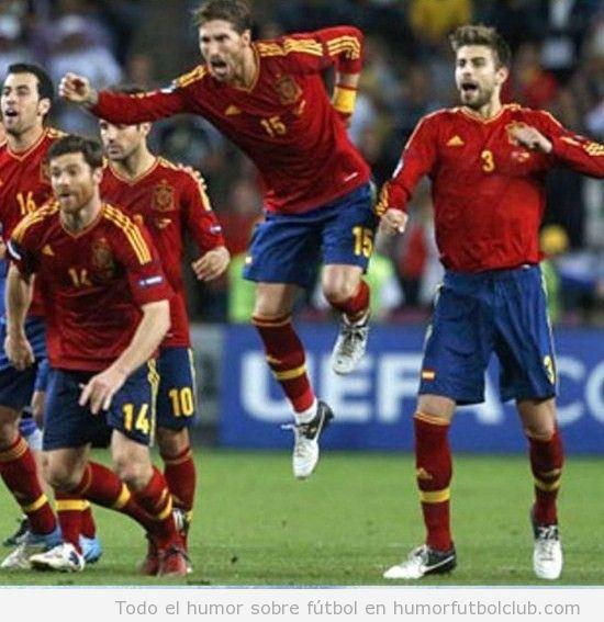 Sergio Ramos sale volando como super man en el último penalti de España Portugal Semifinales Eurocopa 2012