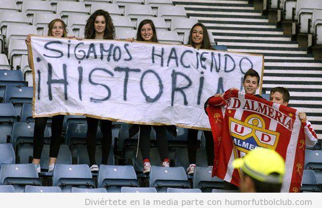 """Grupo de chicas aficionadas de España en los Juegos Olímpicos Londres 2012 """"sigamos haciendo historia"""""""