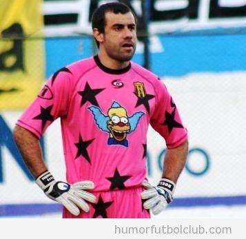 El portero Aurrecochea con una camiseta de Krusty el payaso de los Simpsons