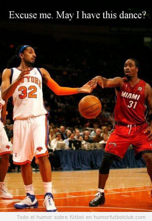 Foto divertida de baloncesto, bailamos