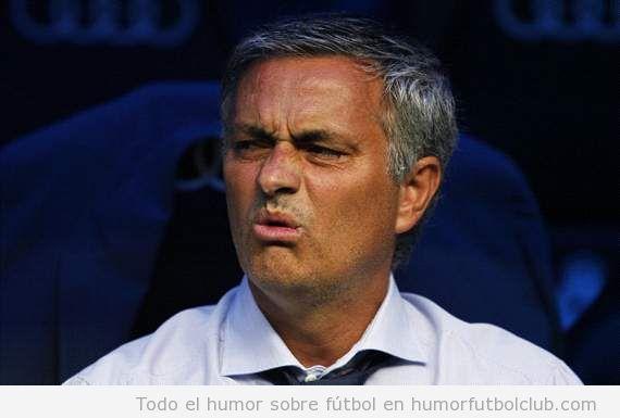Cara graciosa de Xose Mourinho en Real Madrid Valencia
