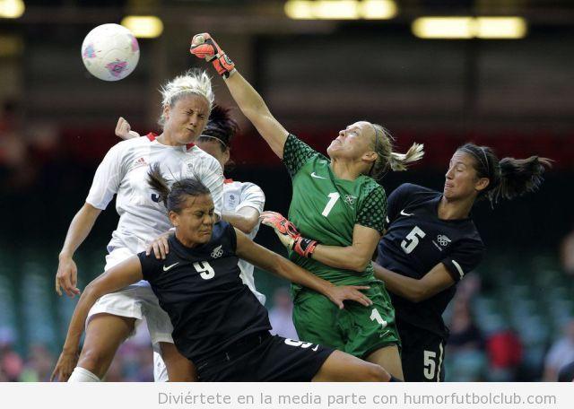 Futbol femenino salvaje
