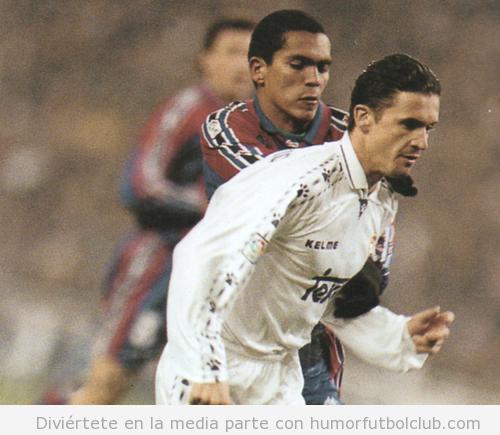 Giovanni y Mijatovic en un Madrid Barça de la temporada 1996-1997