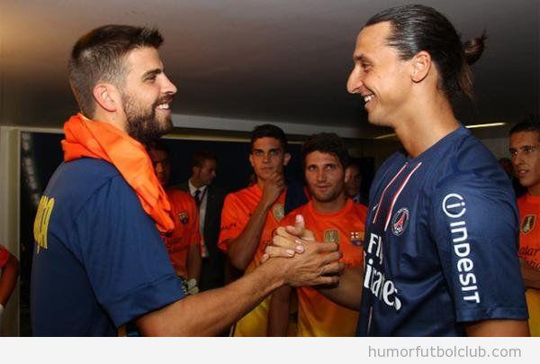 Reencuentro amistoso entre Gerard Piqué e Ibrahimovic en amistoso Barça Paris Saint Germain