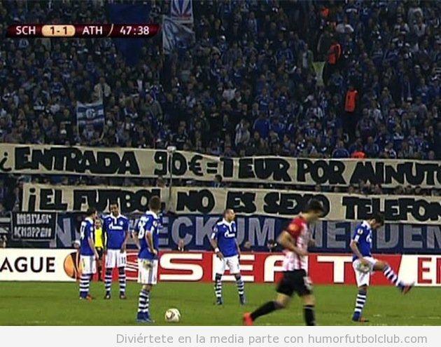 Protesta por los precios de la entrada de la aficion del Shalke en un partido contra Athletic, Europa League