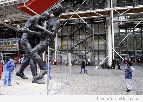 Escultura del cabezazo de Zidane en el Museo Pompidou de París
