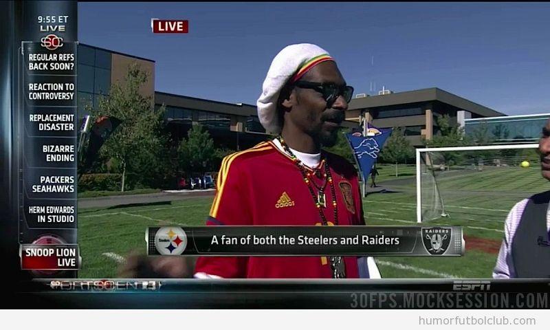 Foto del rapero Snoop Dog con la camiseta de la selección española