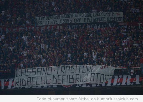 Pancarta del Inter de Milán Cassano Traditore devuelvenos el desfibrilador