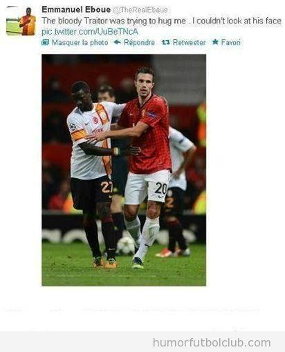 Emmanuel Eboue llama a Van Pierse bloody traitor en Twitter