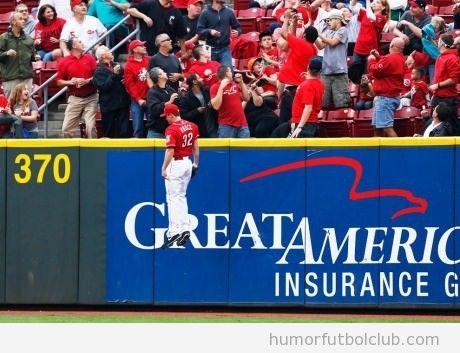 Imagen divertida de un jugador de baseball