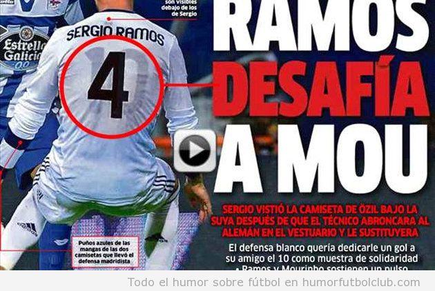 Sergio Ramos con el 10 de Ozil debajo de su camiseta, desafía a Mourinho