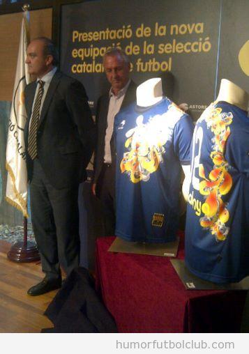 Camiseta de la selección catalana de fútbol diseñada por Custo Barcelona