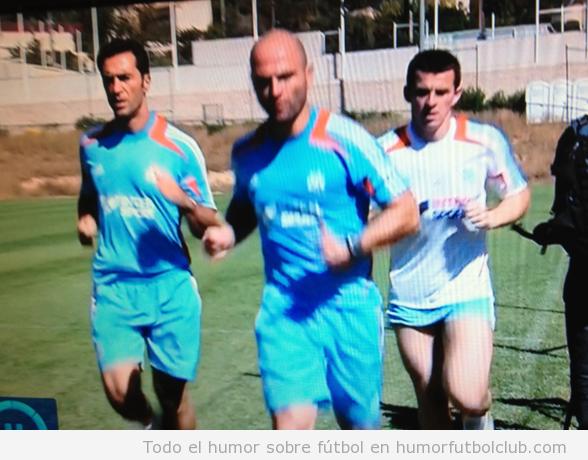 Joey Barton con unos pantalones muy cortos y ridículos en el entrenamiento del Marseille