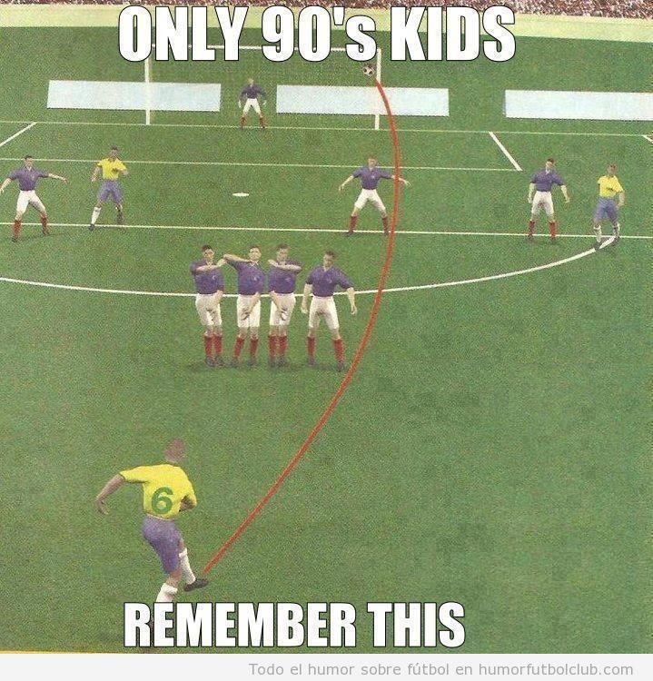 Videojuego fútbol Años 90 falta Roberto Carlos con Brasil