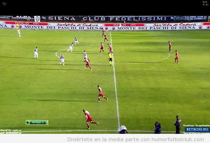 Extraña táctica de la Roma ante el Siena, 0-2-8