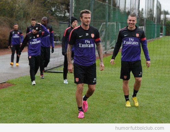Lukas Podolski contento de que Beckham entrene con el Arsenal