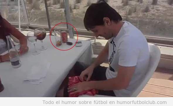 Messi, que representa a Pepsi, pillado bebiendo Coca-cola