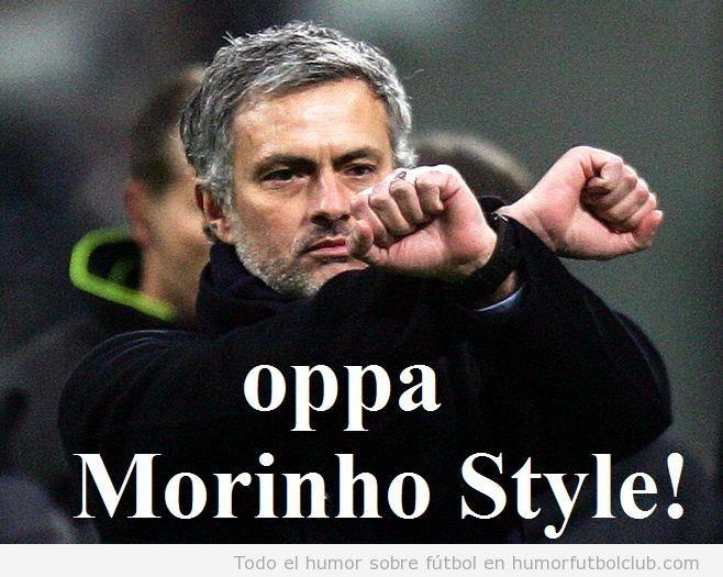 Foto graciosa de Mourinho donde parece bailar el Gangnam Style
