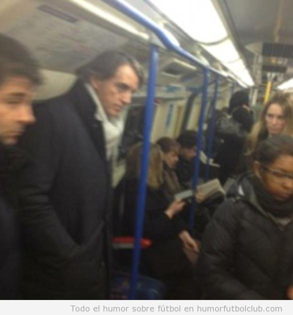 El entrenador Roberto Mancini coge el metro para ir al Arsenal Liverpool